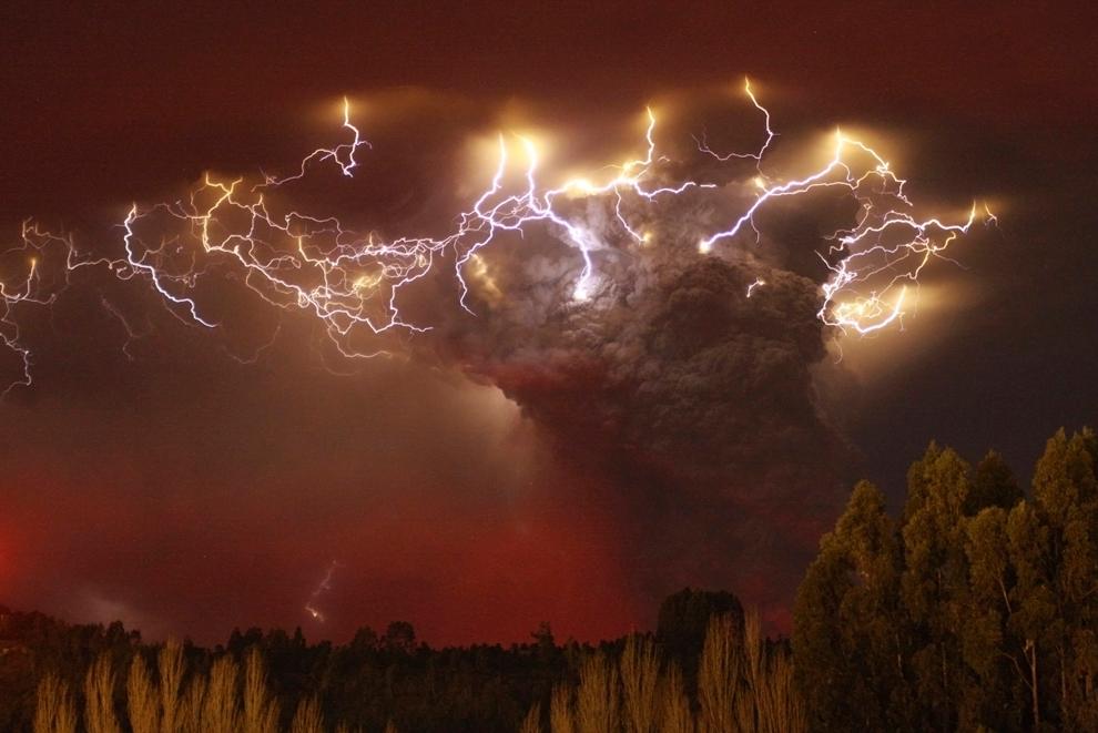 lightning chile